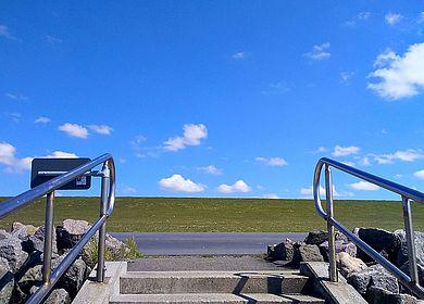 Deichaufgang im Speicherkoog/Dithmarschen