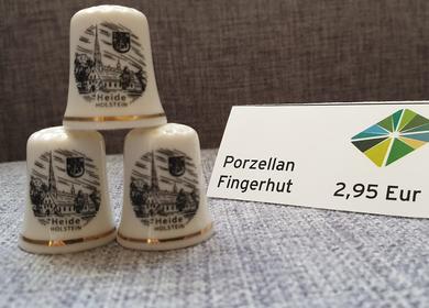 Porzellan Fingerhut mit der St. Jürgen Kirche und dem Heider Wappen 2,95€